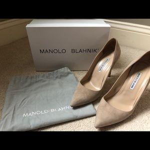Manolo Blahnik BB 105 Suede Pumps